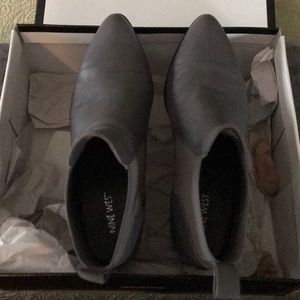 Nine West - Grey leather ankle boot; size 9
